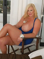 Free Zoey Andrews videos and pictures only at PlumperPass.com